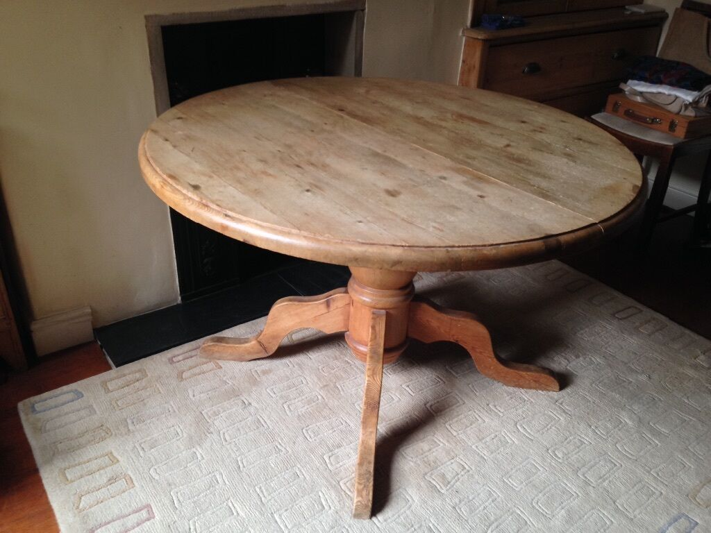 Antique Pine Round Dining Table, Extends To Oval, Large Pedestal. Very  Solid.