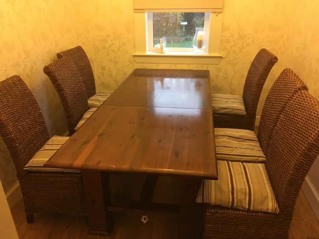 MFI Dining Room Oak Table 6 Seats  Extendable