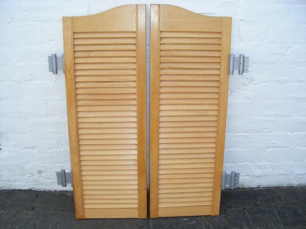 Set of 2 batwing wooden slatted doors complete with dual swing hinges & Set of 2 batwing wooden slatted doors complete with dual swing ...