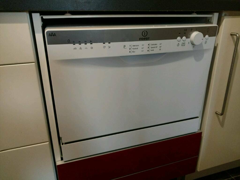 Indesit ICD661 Tabletop Dishwasher