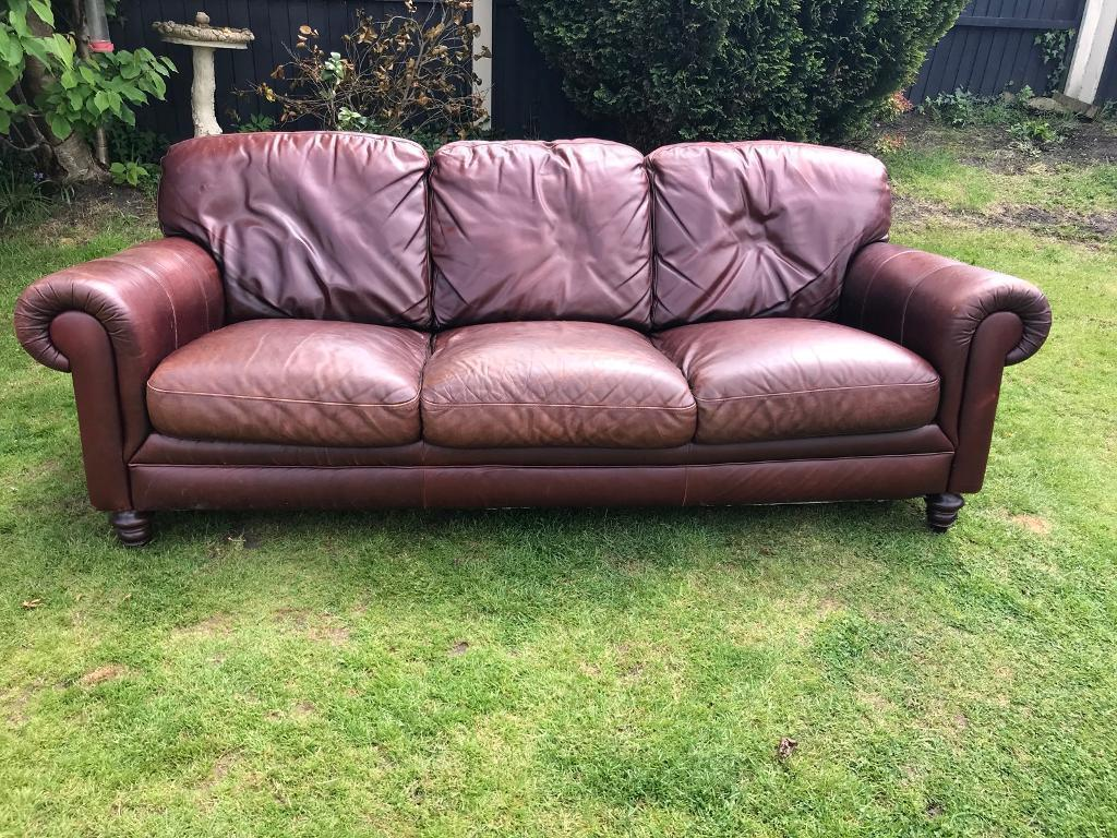 Chesterfield Vintage Inspired Large 3 Seater Sofa Can Deliver