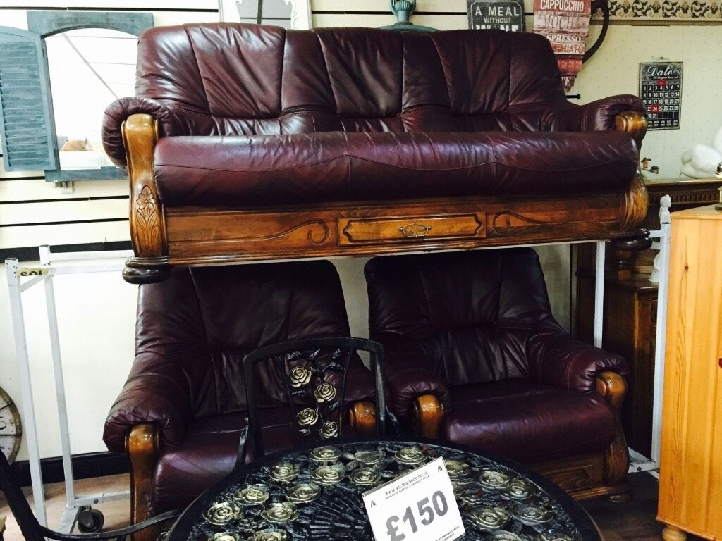 Oxblood 3 Seater Leather Sofa And 2 Armchairs Wooden Frame With 3 Drawers