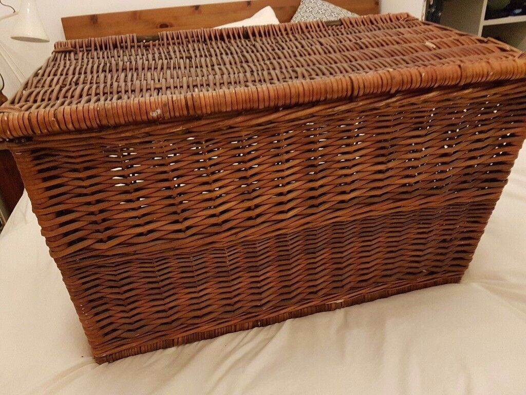 Large Wicker Blanket / Storage Box / Ottoman / Trunk / Chest