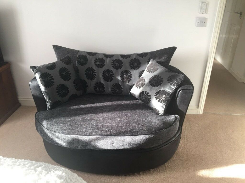 Cuddle Swivel Chair, Very Comfy   Fast Sell