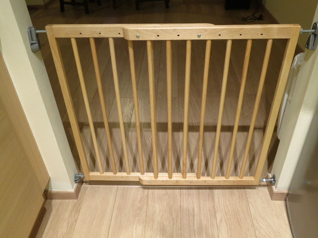 Great Lindam Extending Wooden Safety Gate