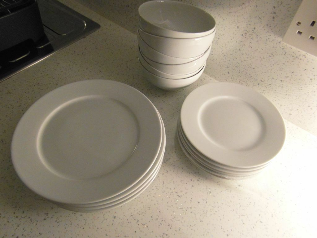 18 PIECE DINNER SET IKEA 365 WHITE 13781 SUSAN PRYKE In Swinton & Wonderful Ikea 365 18 Piece Dinnerware Set White Pictures - Best ...