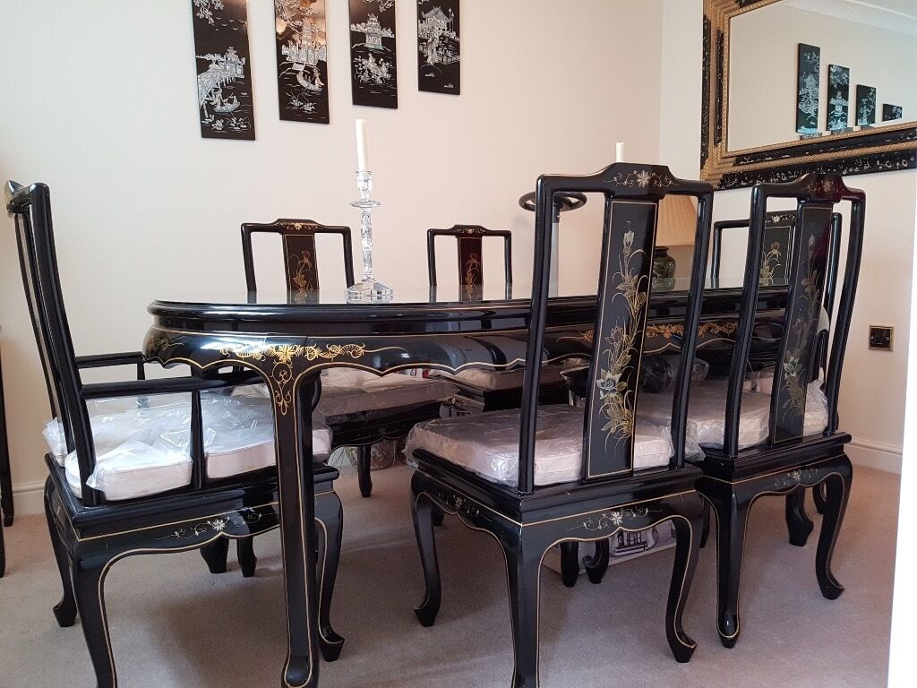 Oriental Black Lacquered Dining Table With 6 Chairs
