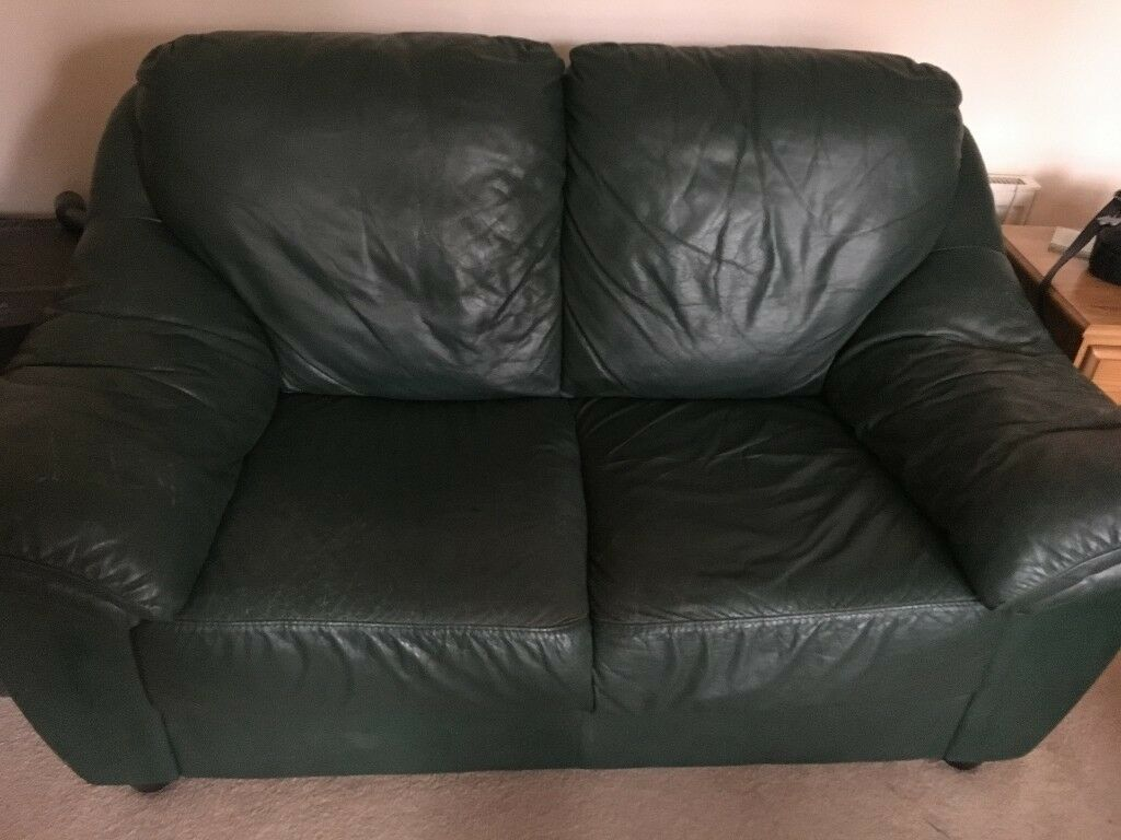 Free To A Good Home   Comfy 2 Seater Leather Sofa Green Leather