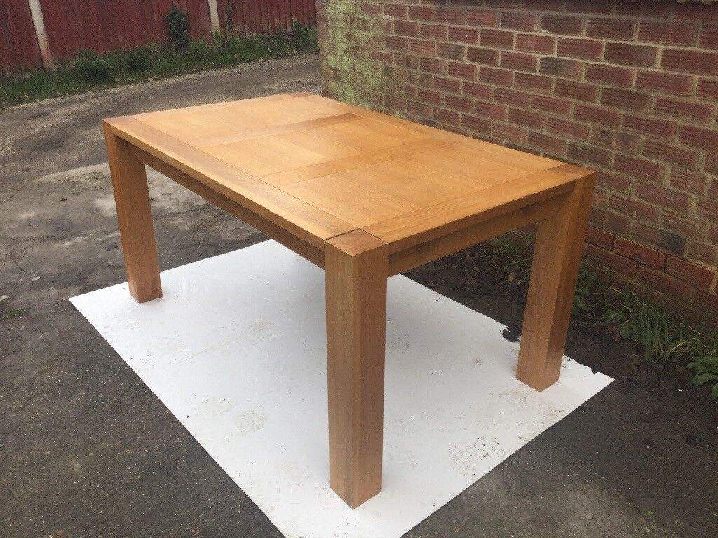 Solid Oak Dining Table (House Of Fraser)