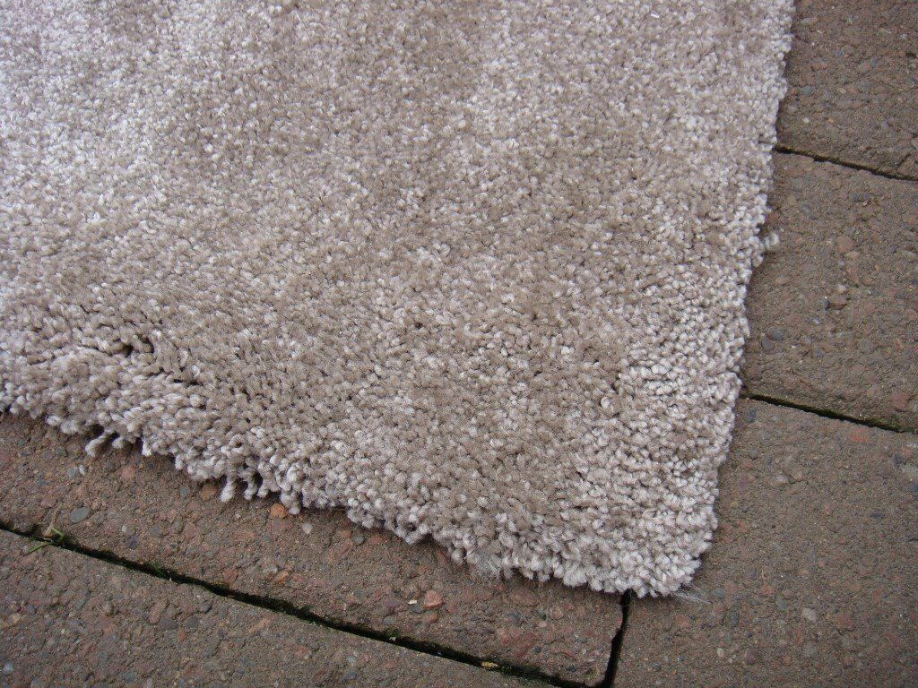 Carpet Good Quality Ideal For Hall Or Stair 6 Metres 800 Long By 670 Wide  New | In Bonnyrigg, Midlothian | Gumtree