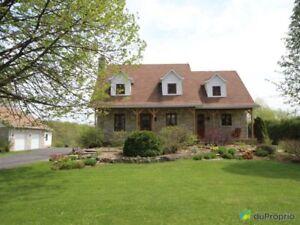 Bon 329 500$   Maison à Un étage Et Demi à Vendre à Champlain