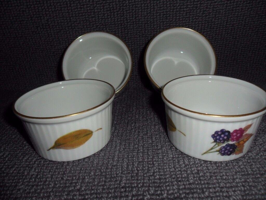 A Set Of 4 X RAMEKIN DISHES Royal Worcester EVESHAM   Fine Porcelain  Freezer To Oven