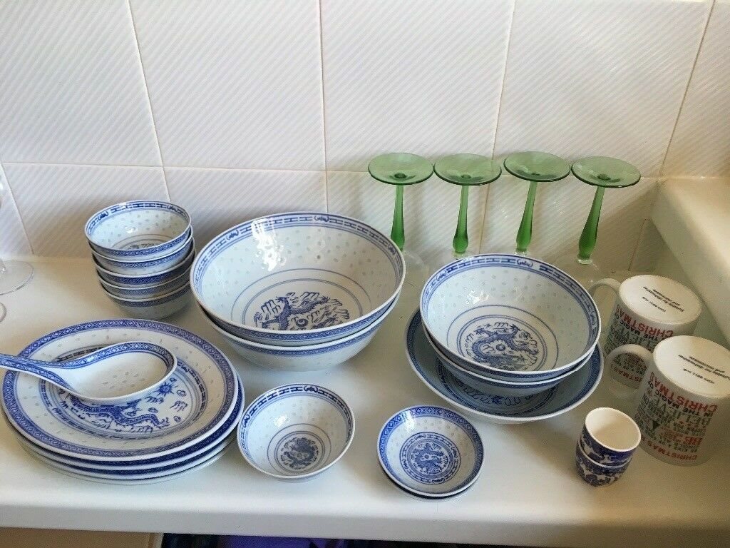 Superbe Chinese Crockery