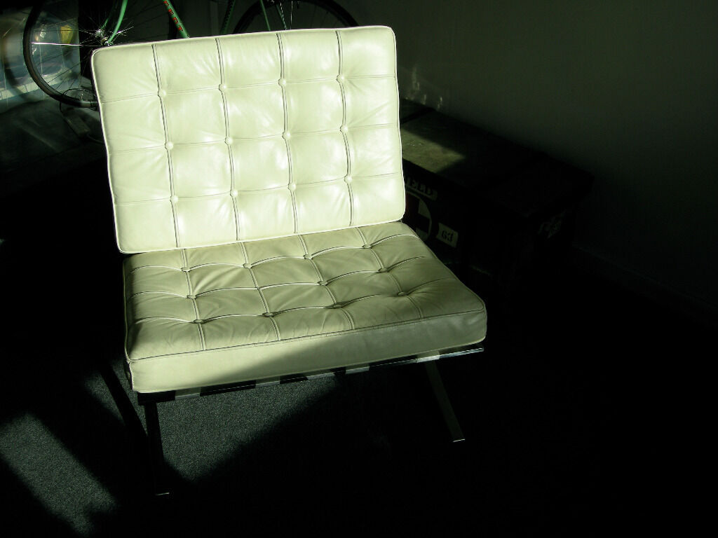 Beautiful Vintage Imitation Knoll Barcelona Chair In White Leather