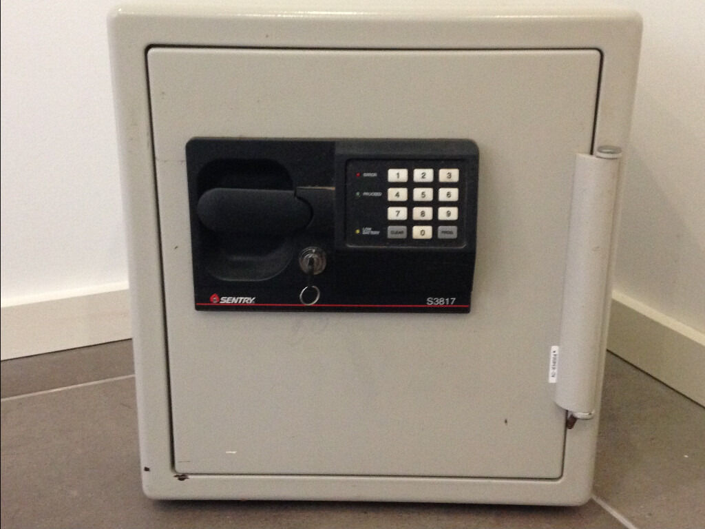 fire safe sentry s3817 fire safe with key and digital lock - Sentry Fire Safe