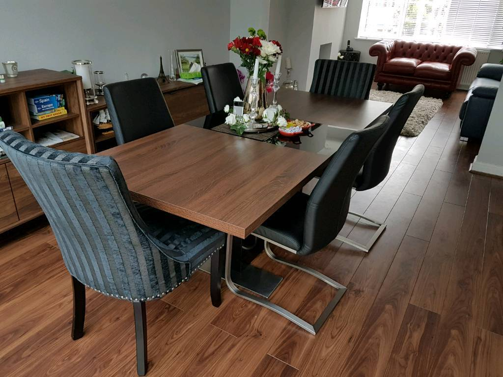 Vieux Extending Dining Table (walnut/black) U0026 6 Chairs, Hardly Used