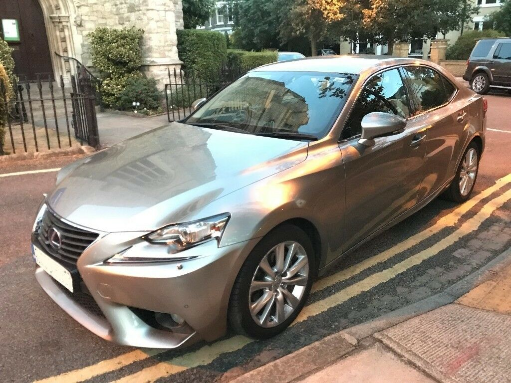 Lexus IS 300h 2.5 ***Hybrid*** Luxury E CVT,