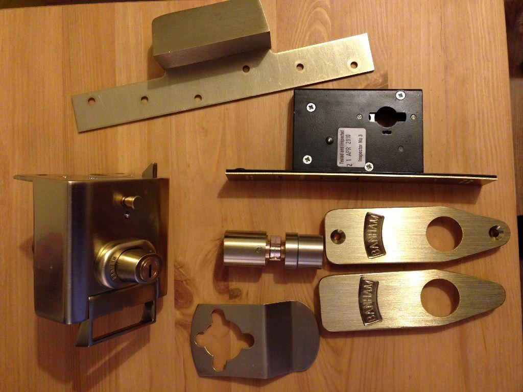 Banham high security locks (L2000 and M2002) satin brass keyed alike & Banham high security locks (L2000 and M2002) satin brass keyed alike ...