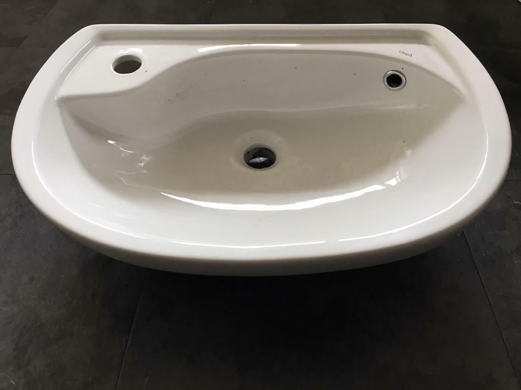 Utopia White Bathroom Sink 555mm X 360mm With No Accessories