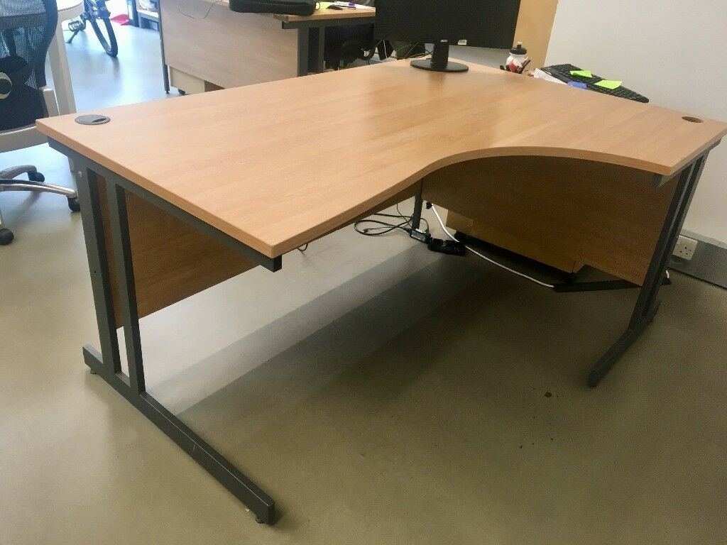 3 X Corner Office Desks   CLEARANCE NEED TO GO