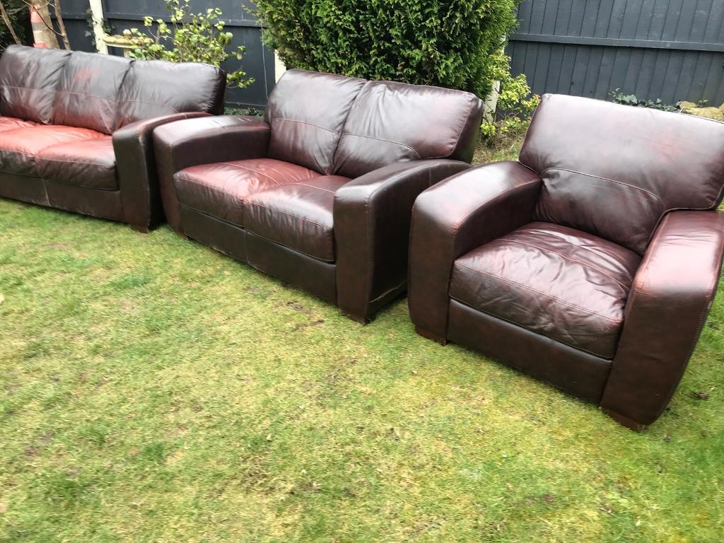 Dfs Chesterfield Caesar Superior Quality Sofa Set Oxblood Can Deliver