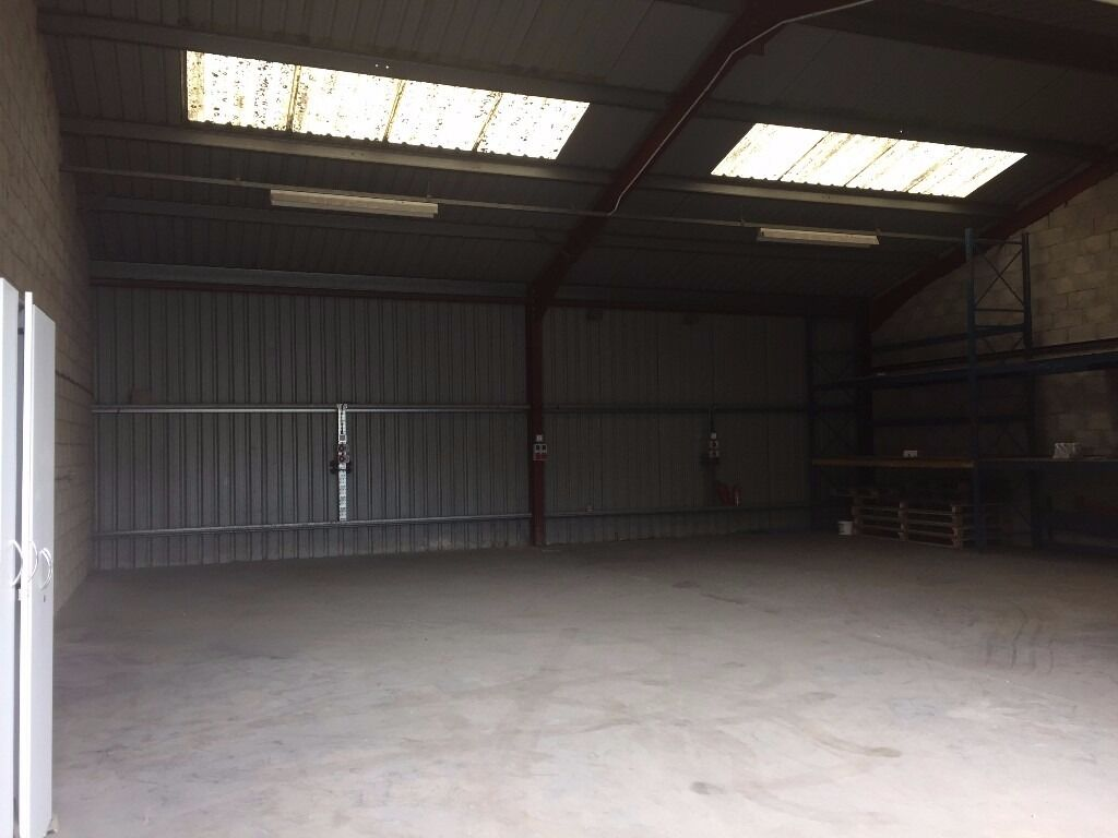 1600SQ FT INDUSTRIAL UNIT WORKSHOP STORAGE TO RENT,SPRAY SHOP, ATHERTON,  MANCHESTER M46
