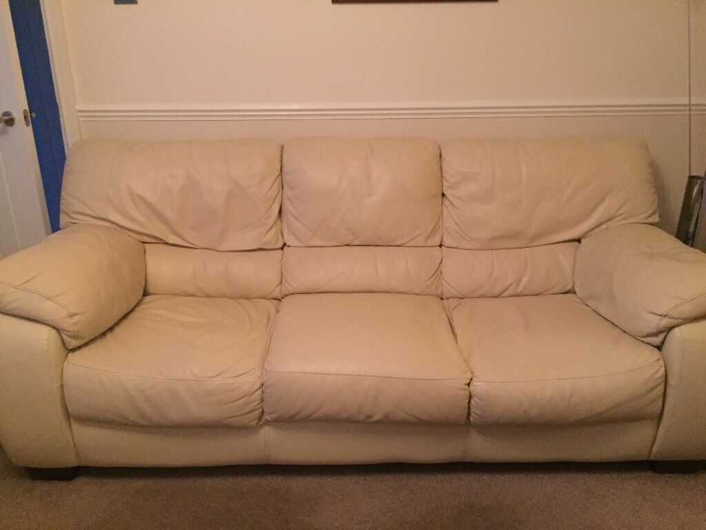Charmant Cream Leather Sofa