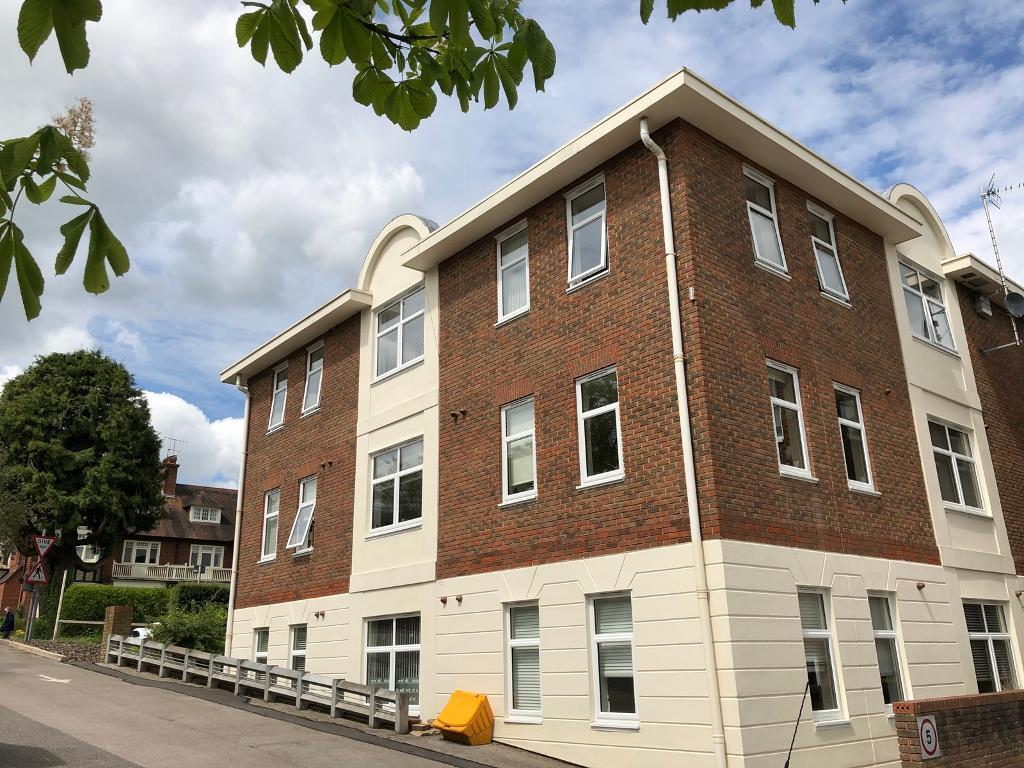 New Build, Studio Apartment With Parking   Central Haywardu0027s Heath
