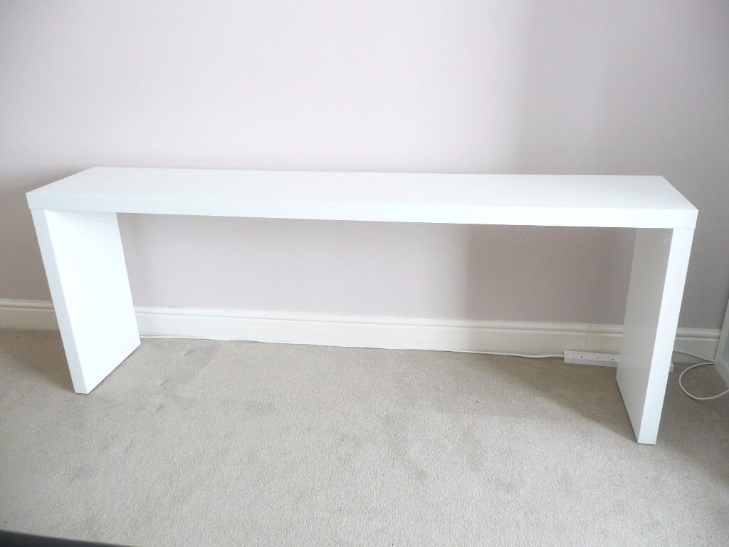 Genial IKEA WHITE MALM CONSOLE TABLE, SIDEBOARD (CAN FIT OVER A DOUBLE BED)