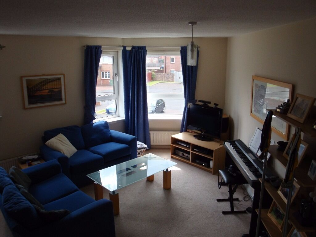 Double Room Available In Two Bedroom Flat Just Off Glasgow Green . The  Living Room Furniture ... Part 56