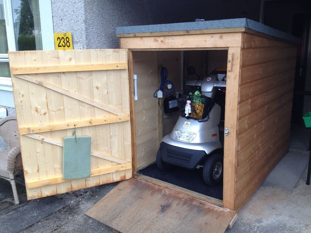 Small Garden Shed 6ft Long X 4ft Wide By 5ft High At The Front