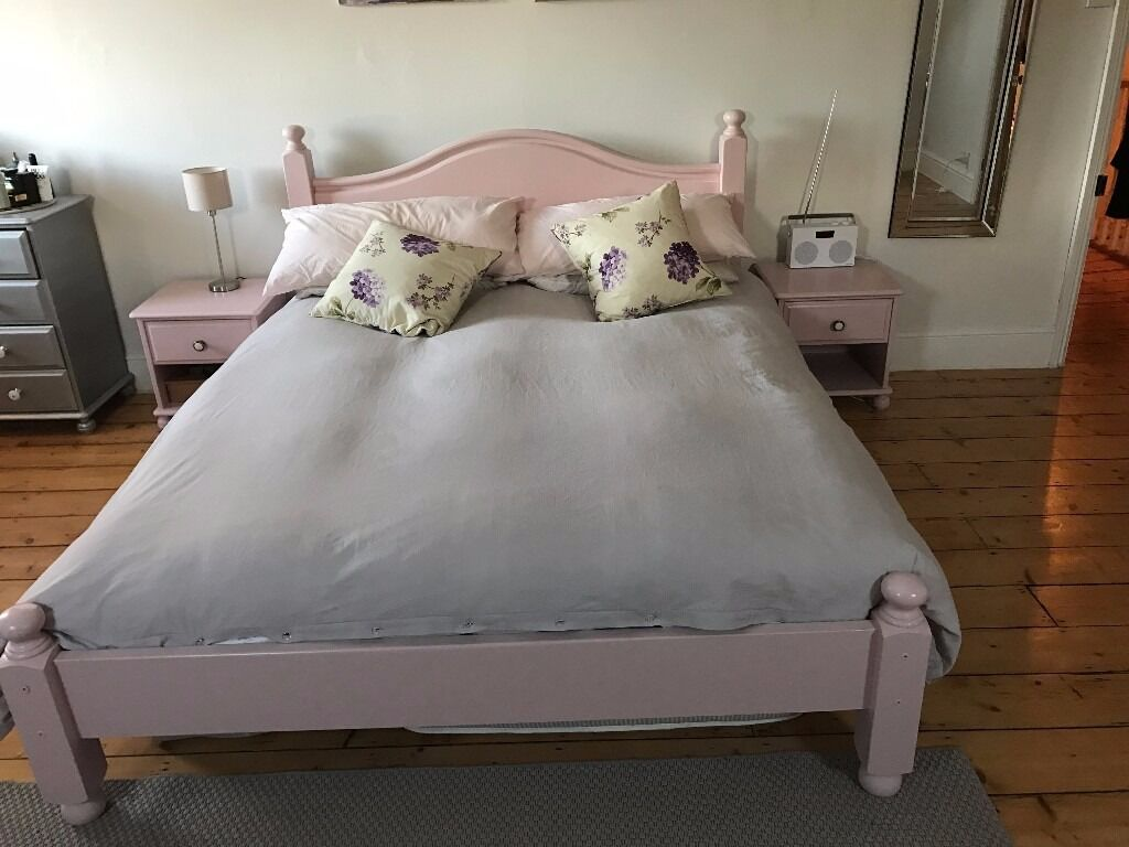 Pale Pink King Size Bed U0026 2 X Matching Bedside Tables With Drawers For Sale!