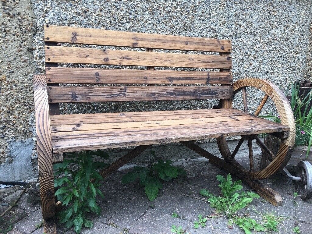 *NEW AND FLATPACKED IN BOX* Wooden Waggon Wheel Garden Bench