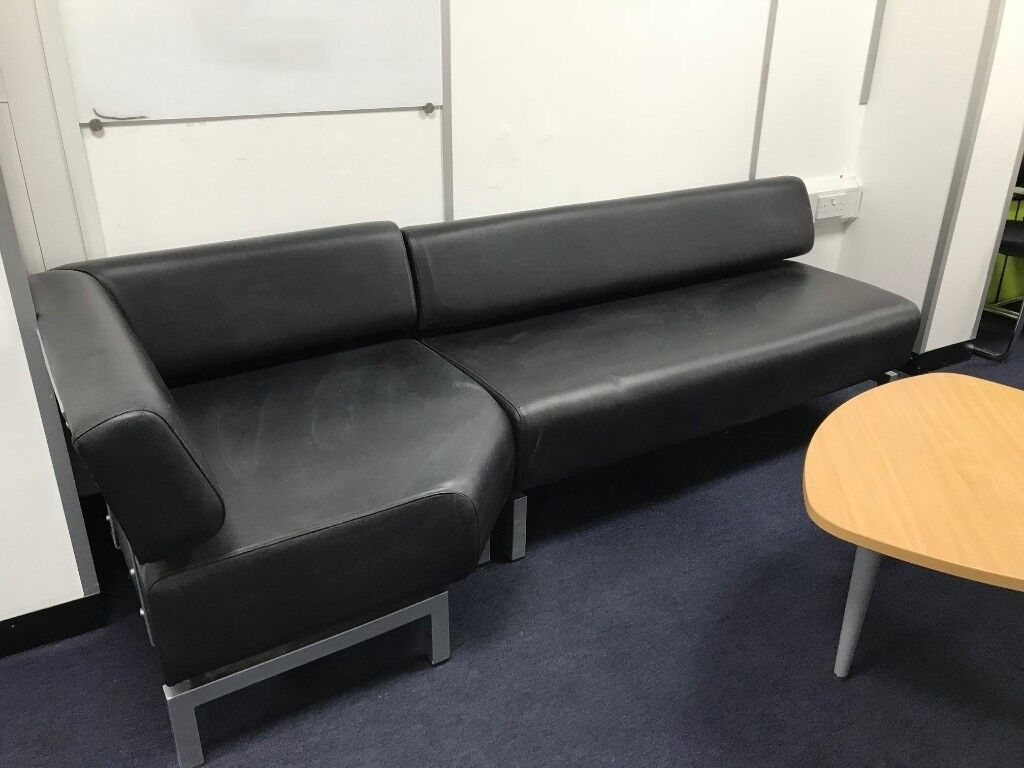 Charmant Black Faux Leather Office Sofa
