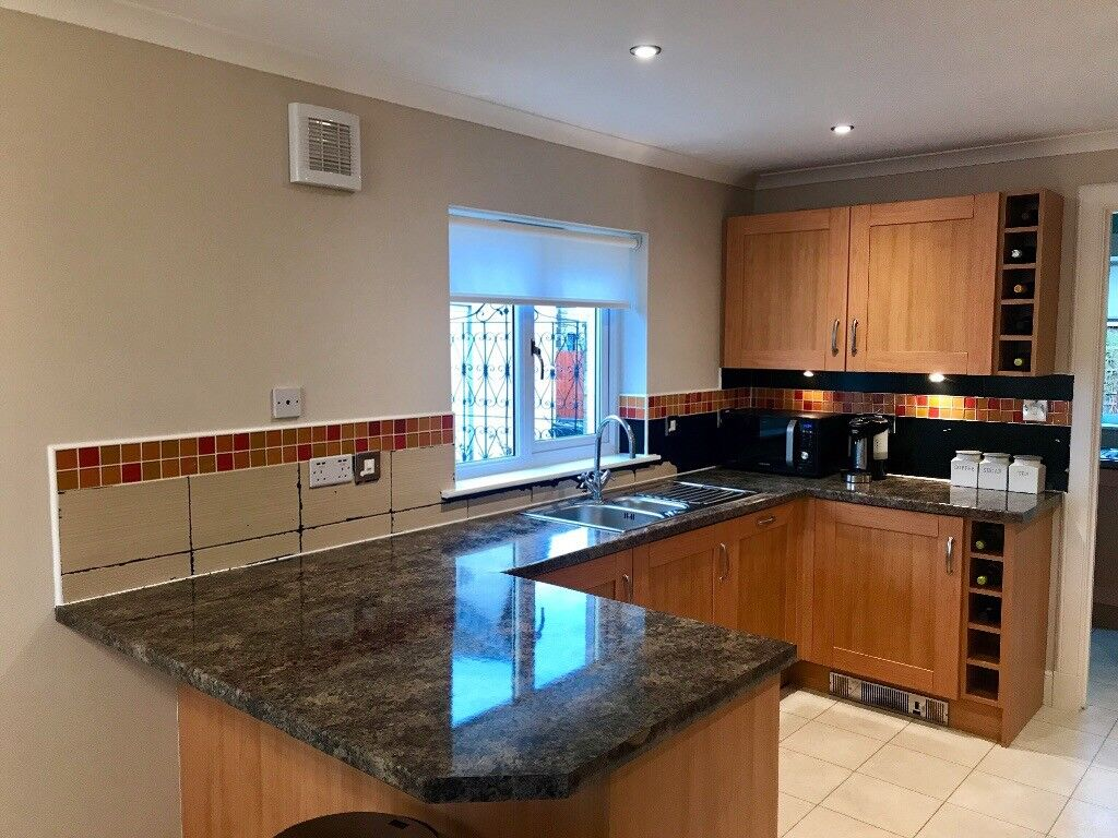 Quality Kitchen And Utility Cabinets With 5 Neff Appliances | In ...