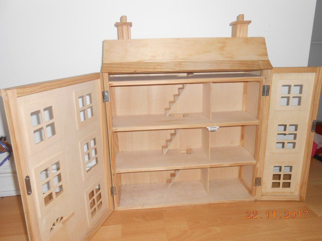 Wooden Georgian Dolls House £50 Lots Of Matching Wooden Furniture And Dolls  Also For Sale