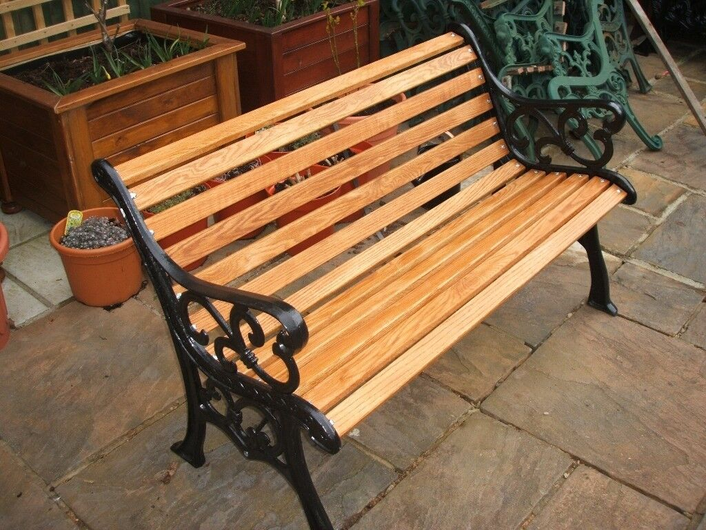 Charmant Quality Cast Iron Garden Bench With Oak Slats