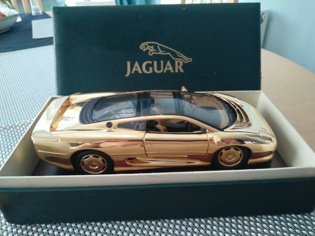1/18 Scale Gold Plated Jaguar XJ220