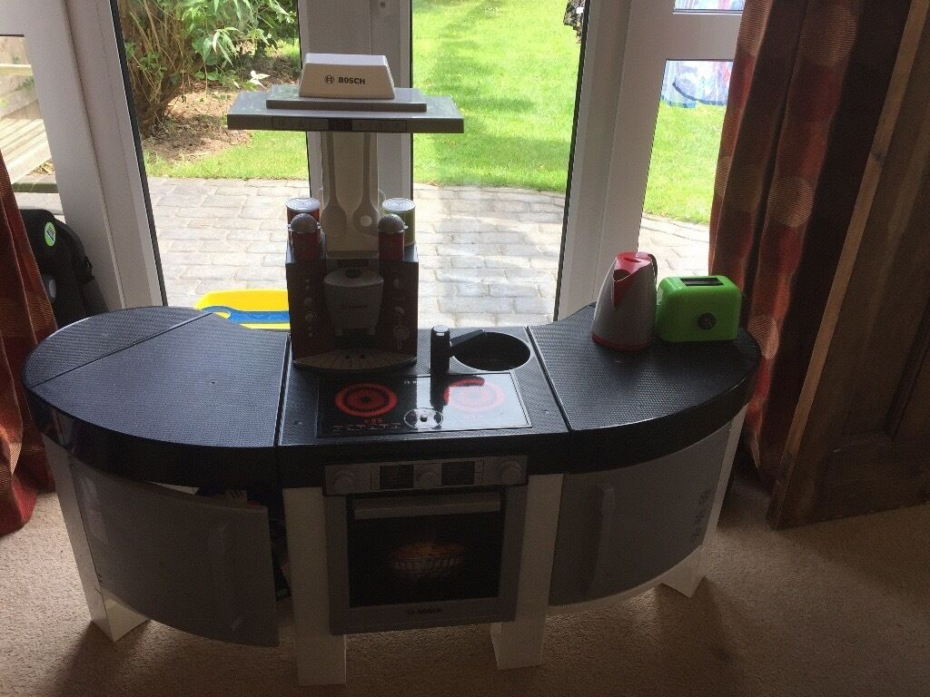 Bosch Play Kitchen And Accessories. Like New!