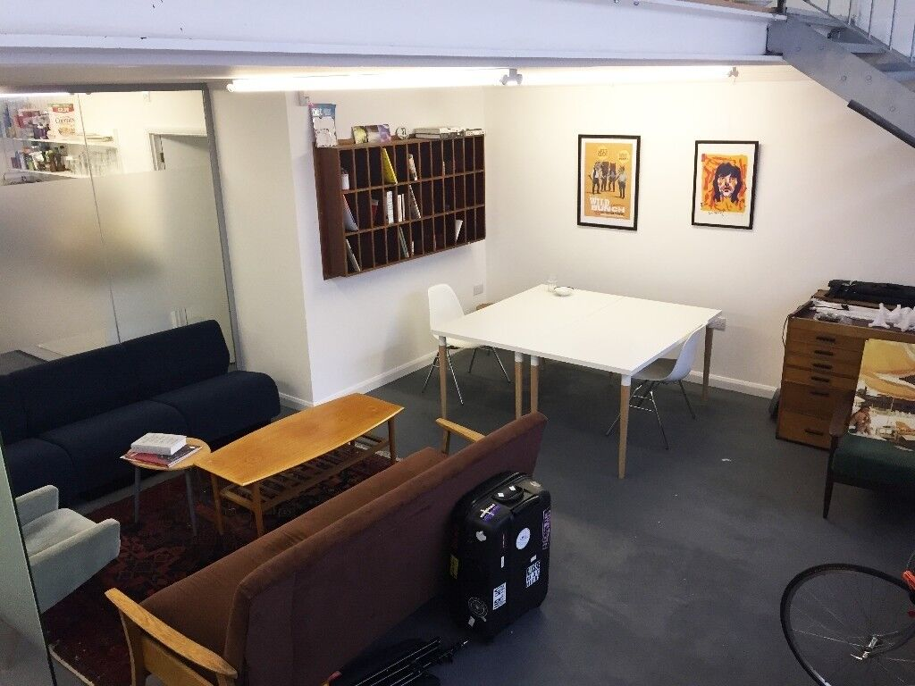 Beau Creative Design Artist Studio Work Space 4 Desk Rental Office 300SqFt  London Brixton SW2 SE24 London