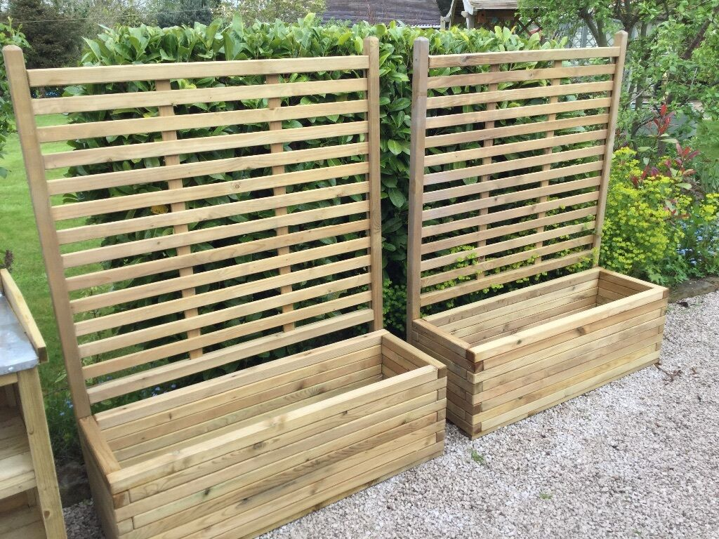 Pair Of Patio Planters With Trellis. NEW