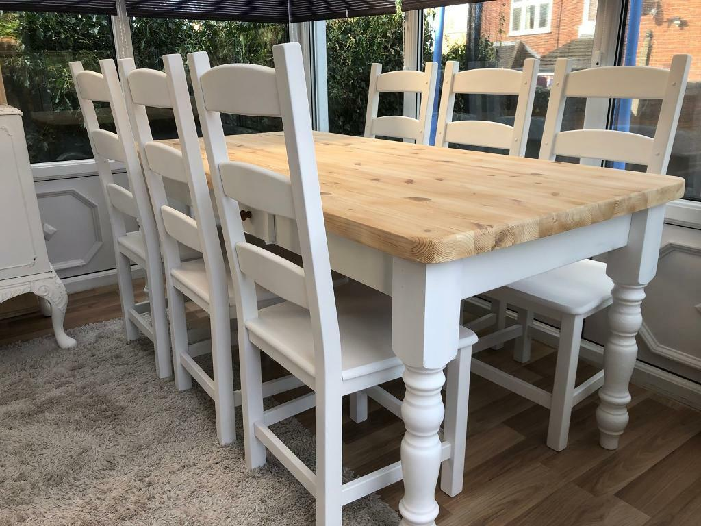 Lovely Shabby Chic Pine Farmhouse Table With Cutlery Drawer And 6 Chairs