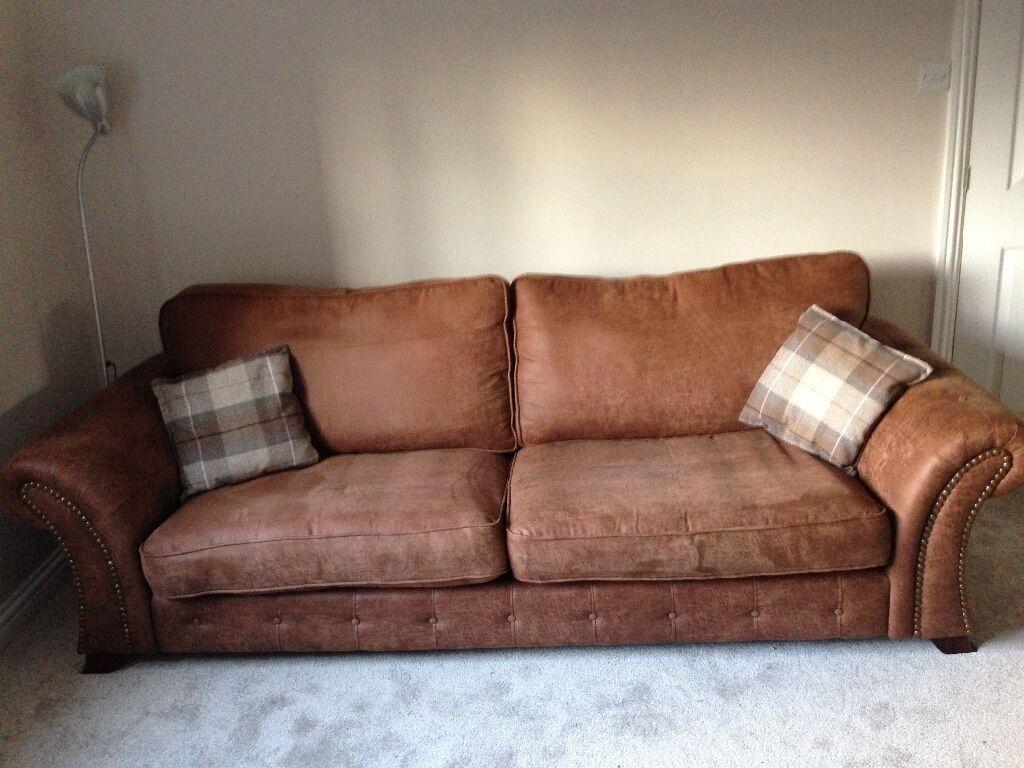 4 Seater DFS U0027Woodlandu0027 Sofa With Matching Storage Footstool (current Range)