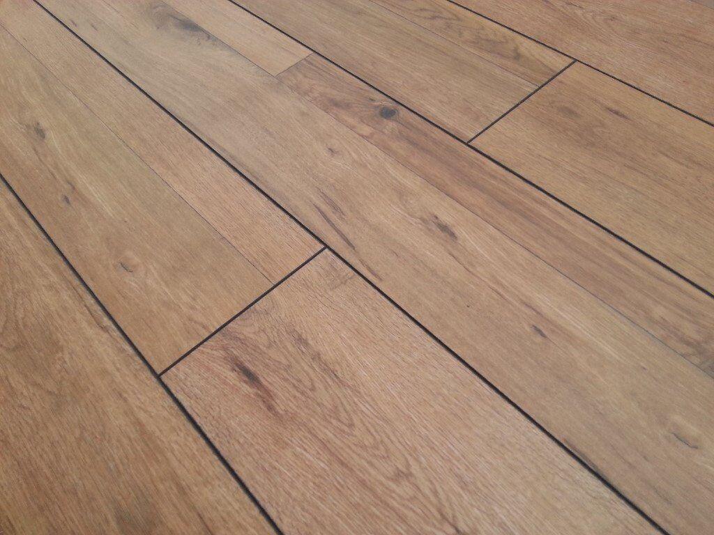 8mm V Groove Laminate Flooring   Save Over 40%