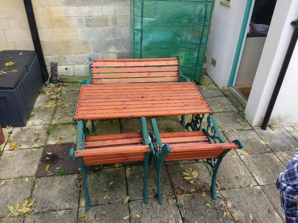 Cast Iron / Wood Garden Furniture Set