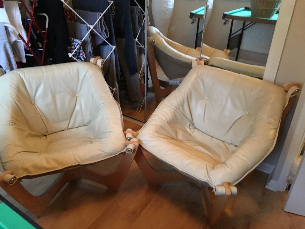 John Lewis Pair Of Zest Bucket Style Leather Chairs, Cream Colour Excellent  Condition Price Is