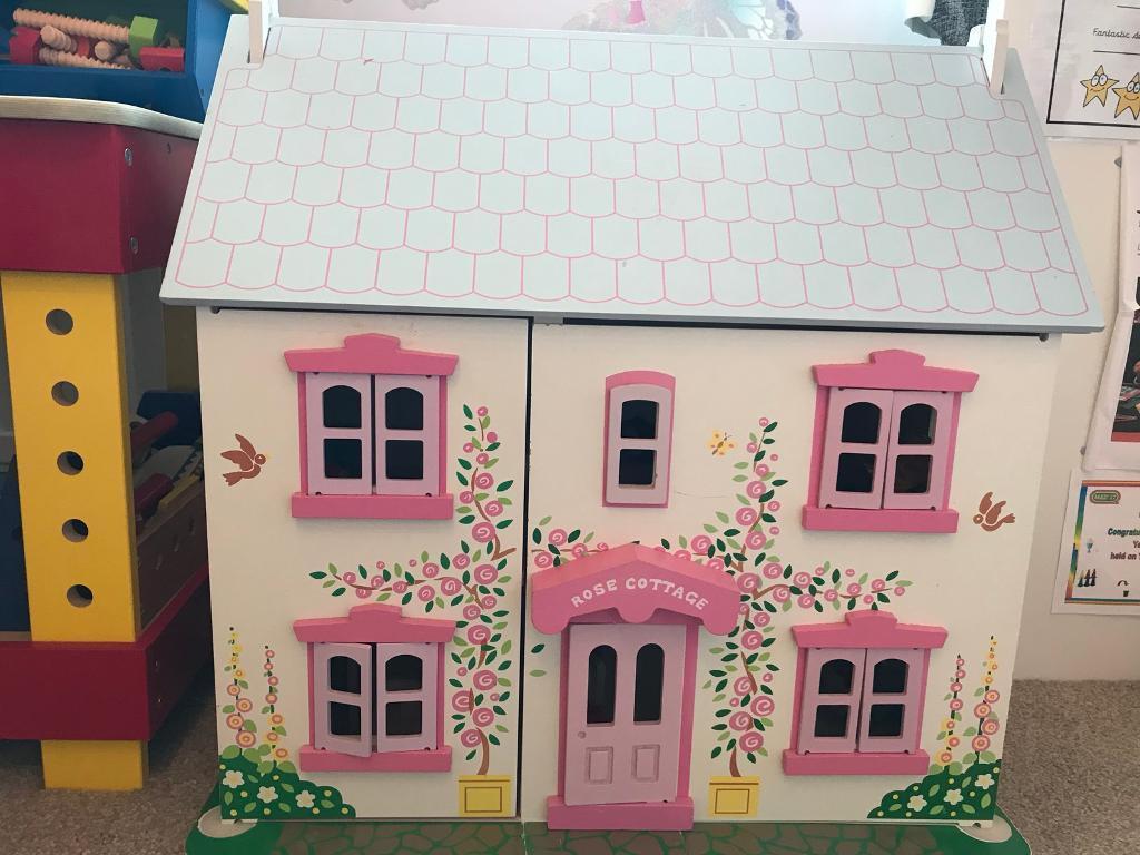 Rose Cottage Dolls House   Bigjigs