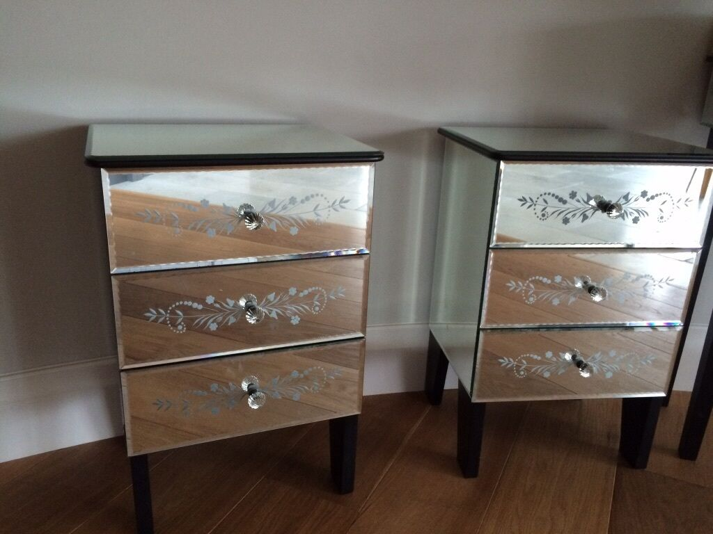 Laura Ashley Venetian Glass Dressing Table And Pair Of Matching Bedside  Tables Part 45