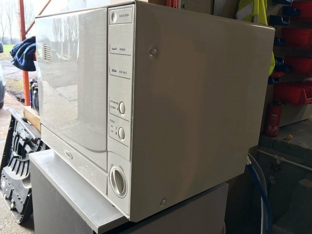 Great Condition Matsui 4 Setting Tabletop Dishwasher White MTT1W