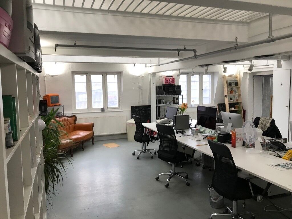 Top Floor Desirable, Bright Office/Studio Premises To Let At Tower Bridge  SE1
